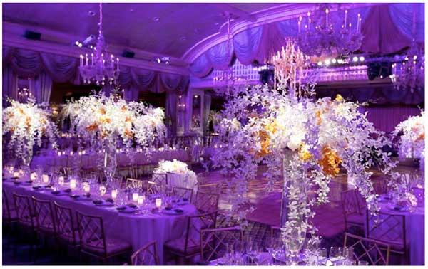 decoração para casamento na cor roxa